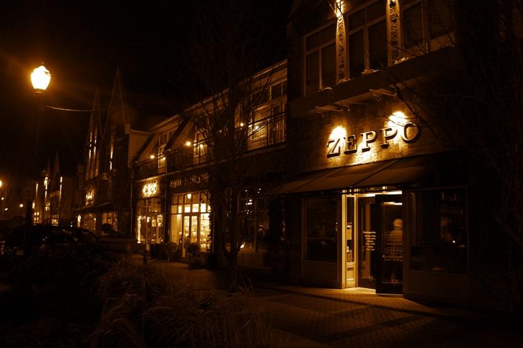 夜のLake Oswegoダウンタウン3