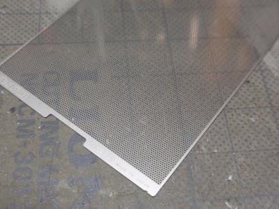 ダッシュボード修正中スピーカーグリル素材