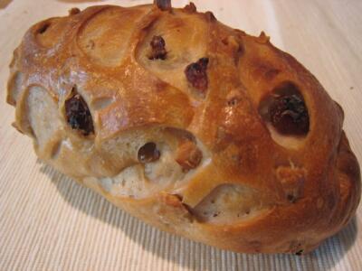 レーズン胡桃パン