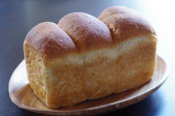 3_10食パン1