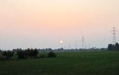 朝5時前・朝靄の日の出