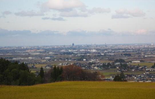 富山市街を望む