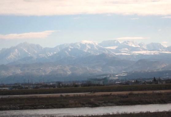 立山連峰と神通川