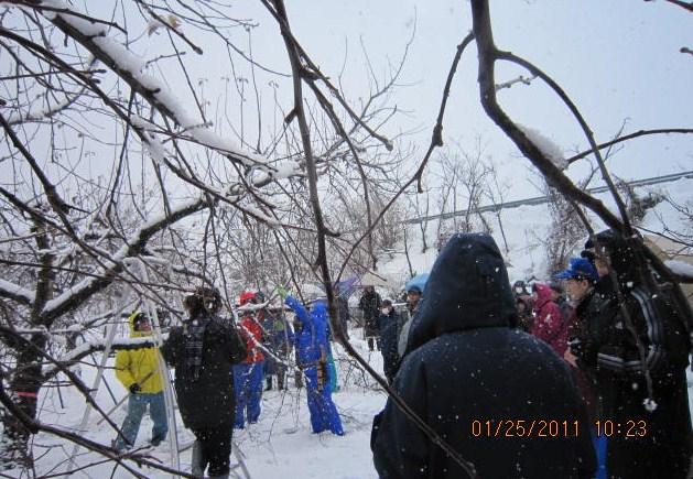 雪の中で講習