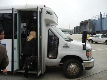 6)シカゴオヘア空港でグリーブランド行に乗換