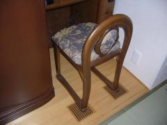 和室のガラリ椅子