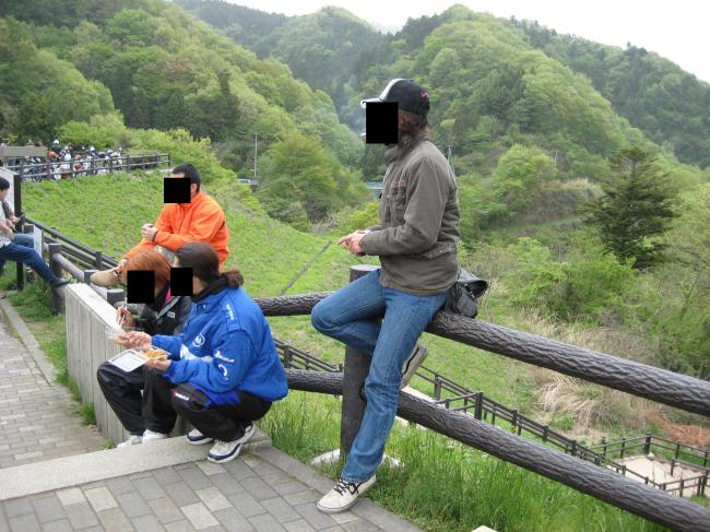 宮が瀬休憩中_convert_20110503185216
