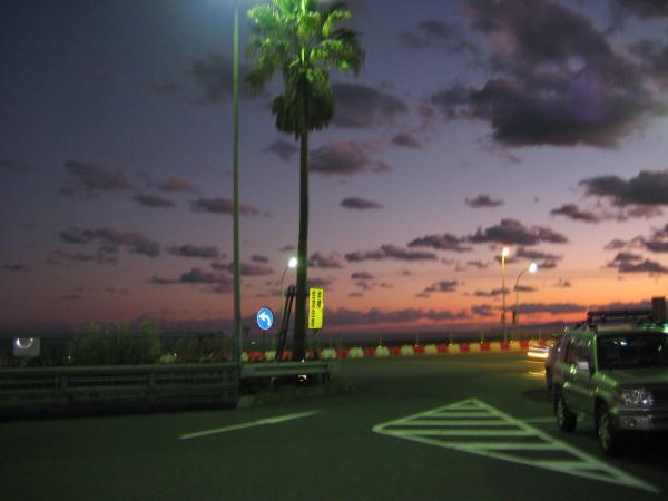 西湘バイパスPA夕焼け_convert_20111217200321