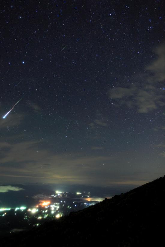 ペルセウス座流星群 合成