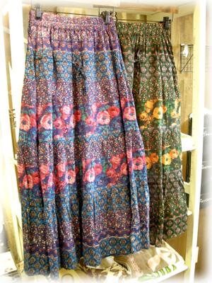 fanaka 大花柄スカート