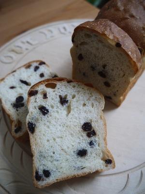 バニラぶどう食パン