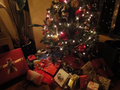 クリスマスツリー&プレゼント