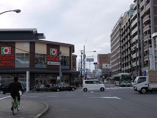 堀川丸太町西側