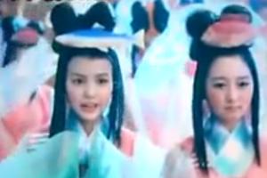 左にいる子が舞美ちゃん。