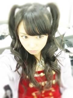 なっきぃの髪の毛は舞美ちゃんがアレンジ
