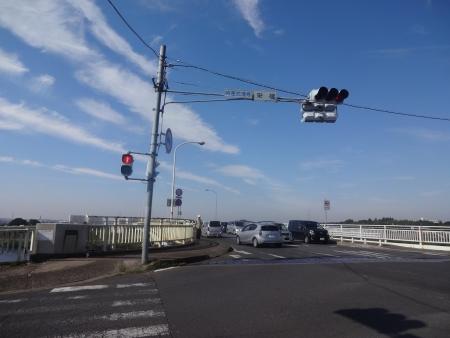 030栄橋を千葉側に