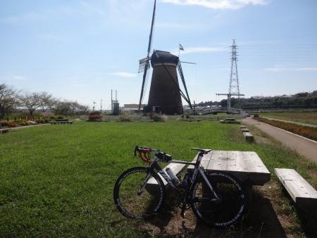 039いつもの風車