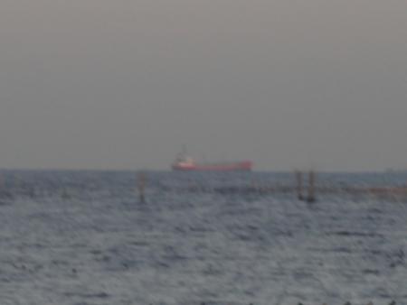 015遠くに船が見えたのでズーム