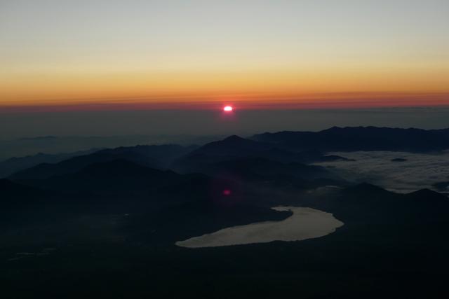 富士山頂上ご来光