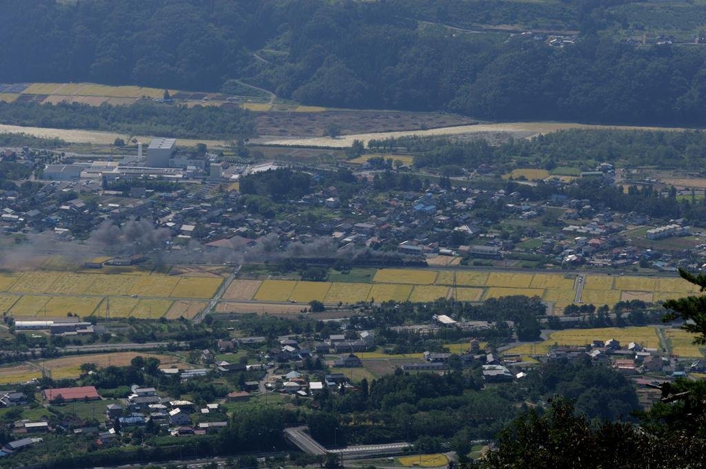 上越線 C6120+C58363 三峰山俯瞰