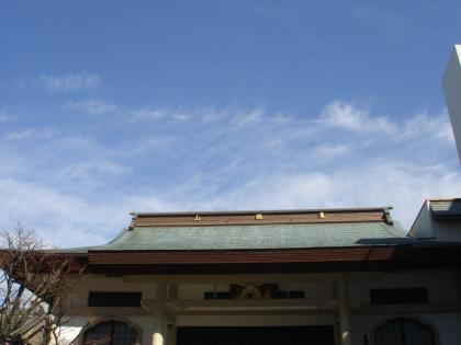 平成25年大安寺、屋根上空の空