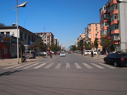当時の通州駅前からまっすぐ走る通り。