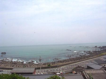 車窓から海