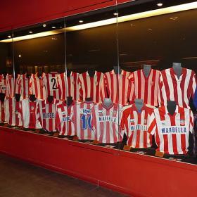 Atleti_homenajea_camiseta_Principe.jpg