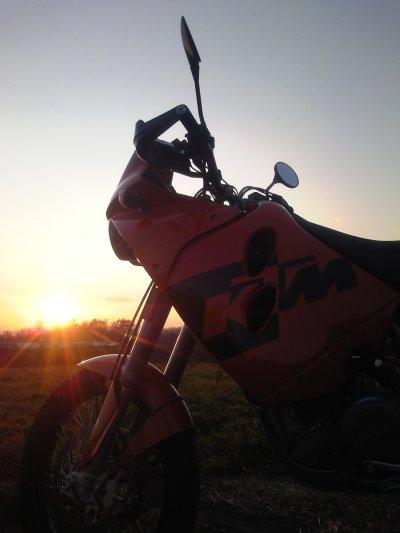 夕日とマラサイ1