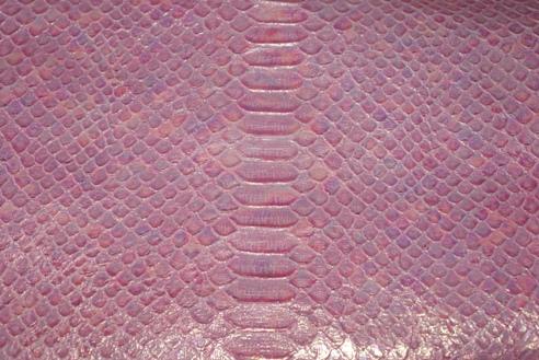 パールピンクパイソン柄の革