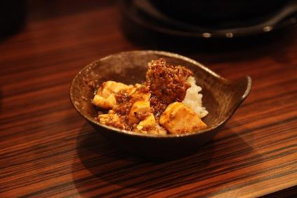 虎玄 麻婆豆腐 on ライス