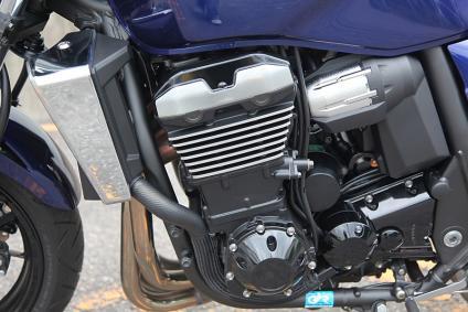 ZRX1200 DAEG インラインフォアエンジン