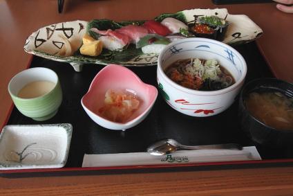 富士川サービスエリア 握り御膳 駿河(2100円)