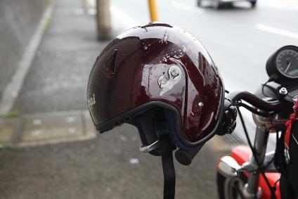 ヘルメット シールドぶっ飛ぶ