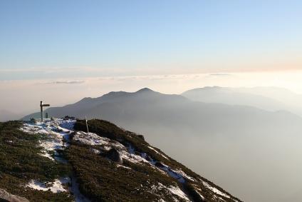 越百山頂上と中央アルプス最南部