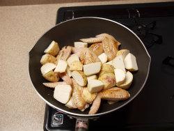 手羽先と里芋の炒め煮17