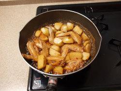 手羽先と里芋の炒め煮23