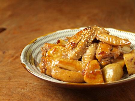 手羽先と里芋の炒め煮33