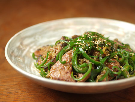 豚レバーとピーマンの雑魚炒16