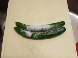 きゅうりと豚肉の味噌炒め03