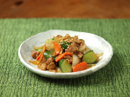 きゅうりと豚肉の味噌炒め39