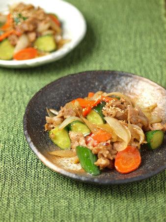 きゅうりと豚肉の味噌炒め24