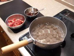 牛肉とこんにゃくのピリ辛炒め07