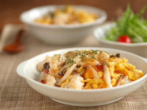 カフェ飯風に盛りつけてみよう♡おしゃれに作る親子丼レシピ7選