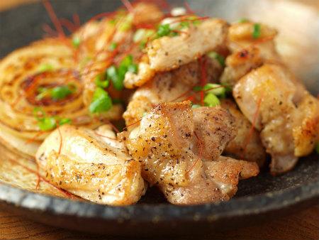 鶏もも塩焼き、新玉ぽん酢焼30