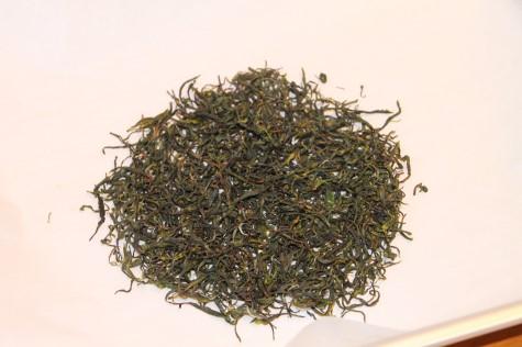 茶葉を乾燥させ、完成