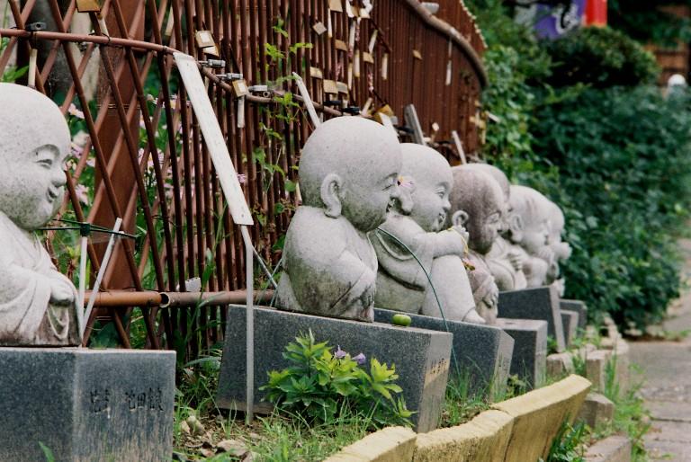 香勝寺の石像-3