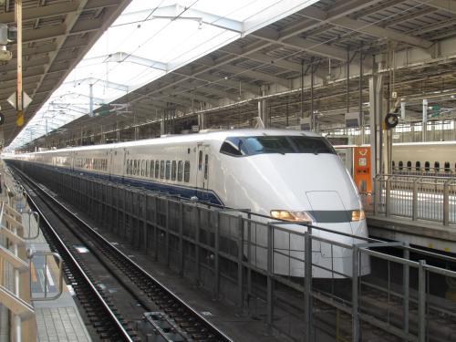 300系こだま(新大阪22番線)