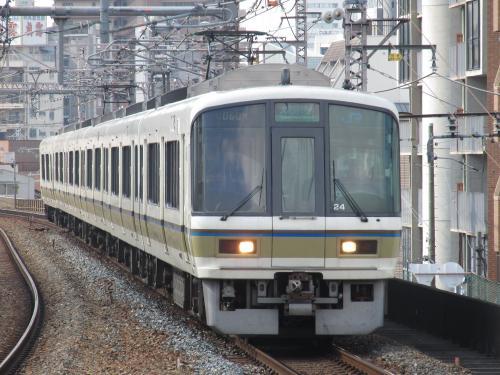 221系(大和路快速)福島