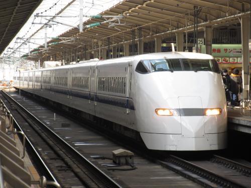 300系こだま(新大阪25番線)